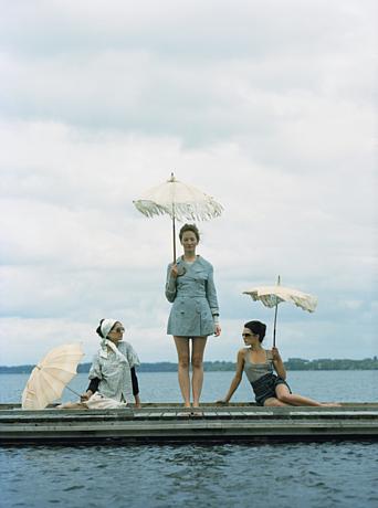 Noa_parasols